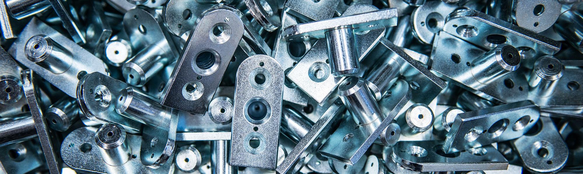 produzione accessori metallici per forme calzature