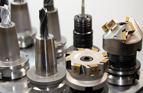 La fresatura è una delle operazioni più importanti delle lavorazioni meccaniche e si possono realizzare minuterie metalliche di alta precisione.