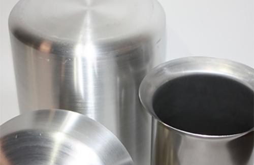 L'imbutitura è una lavorazione mediante la quale è possibile deformare una lamiera d'acciaio o altri materiali non ferrosi.