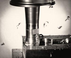Nella lavorazione degli acciai temprati e rinvenuti con durezza >45 – 65 HRC, sono compresi gli inserti in acciaio per stampi (imbutitura), gli stampi per forgiatura e per fusione