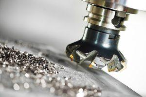 Parlare di alluminio è limitativo poiché il gruppo ISO N di cui fa parte, non comprende solo questo materiale, ma anche leghe a base di magnesio, rame e zinco.