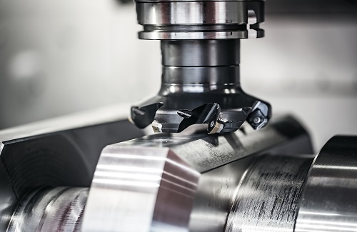 Il processo di fresatura richiede la rotazione di un utensile varia a seconda del materiale lavorato