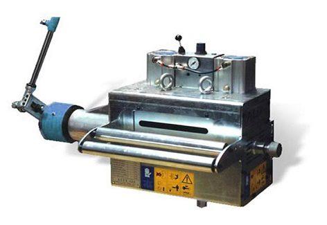 I sistemi di avanzamento lamiera sono tre: pneumatico, meccanico, elettronico